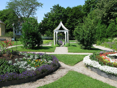 Victorian garden Archives - American Gardening
